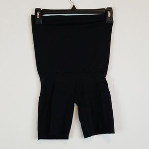 Spanx Assets black shaping shorts size L